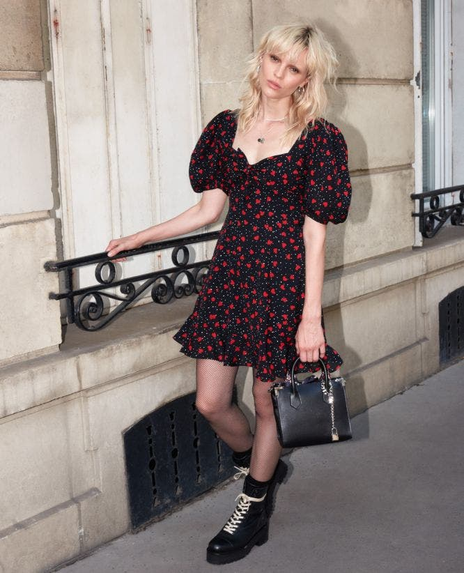 Short dress with print and ruffles