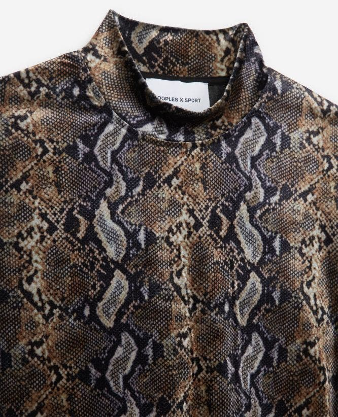 Stretchy cropped sweatshirt in snake print
