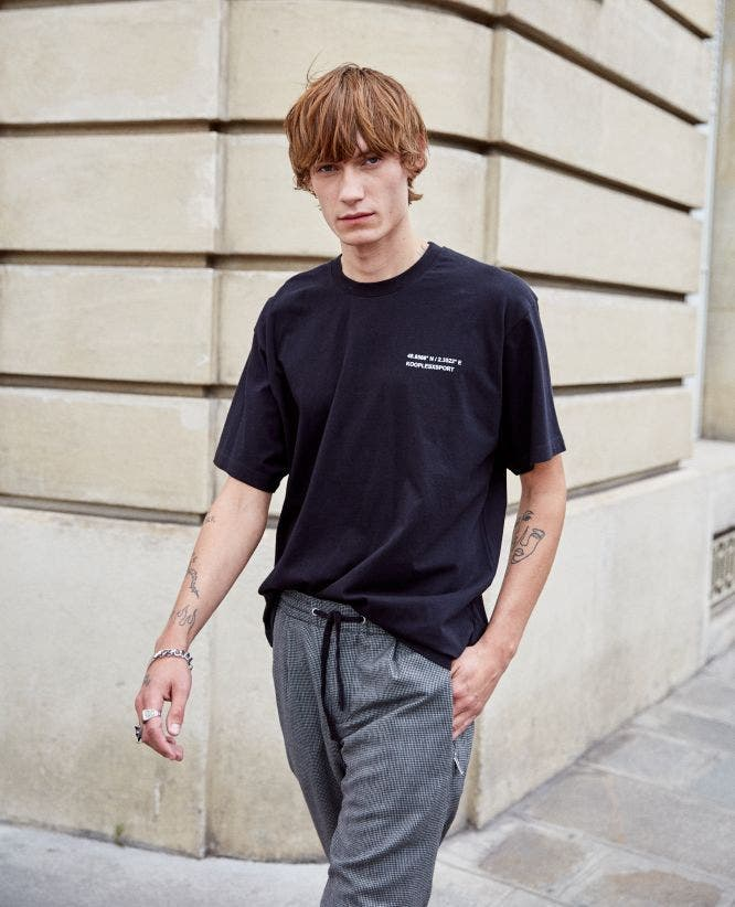 Black T-shirt in cotton with PARIS GPS