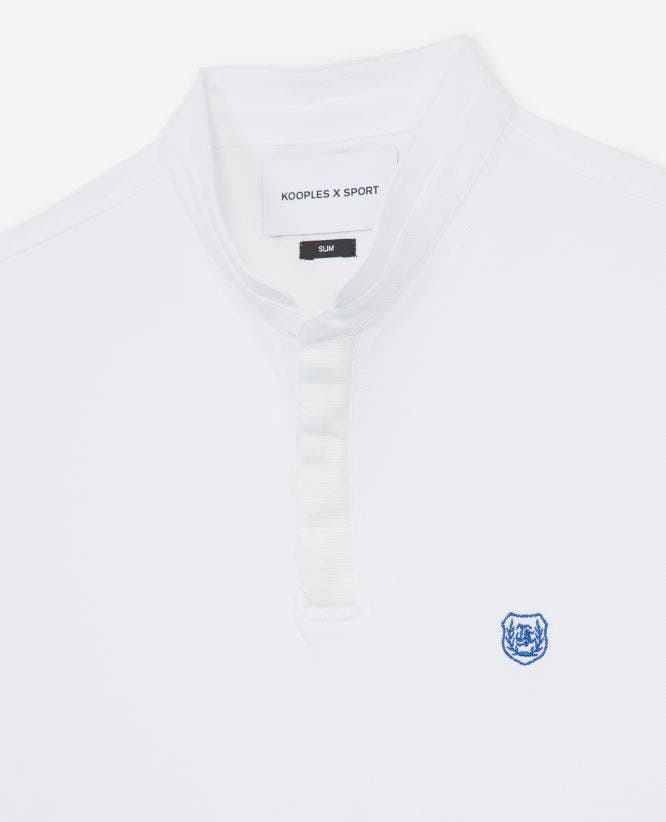 Stand up collar blue fitted white polo shirt