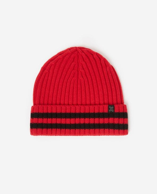 Wool red beanie with large braids