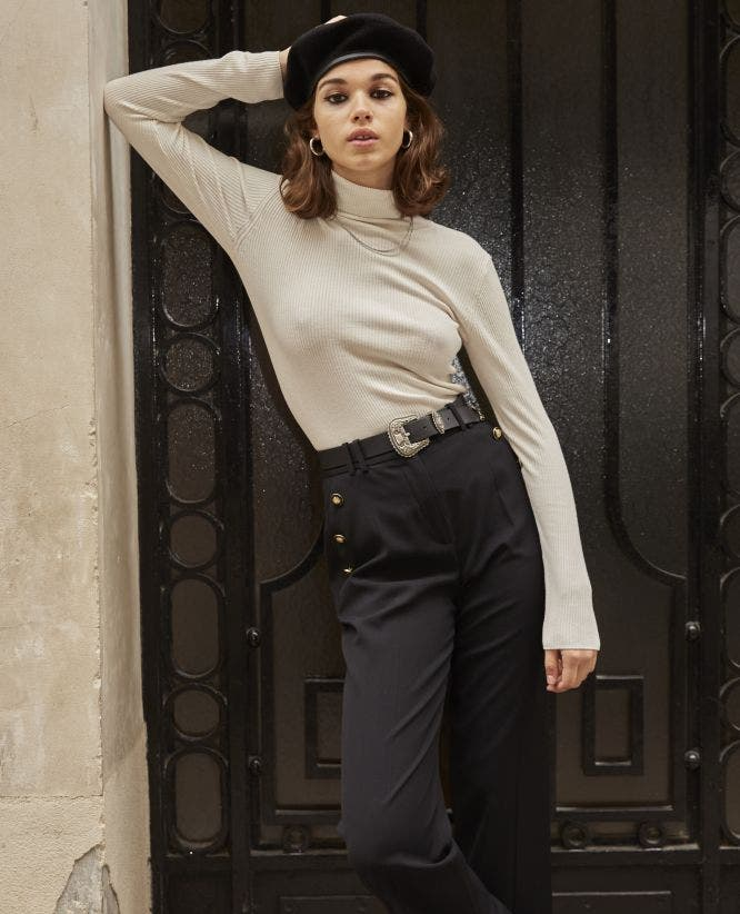 Flared black trousers with slit & high waist