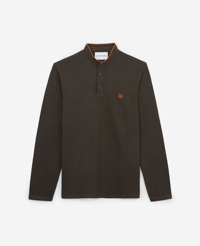 Embroidered khaki polo, cotton, orange badge