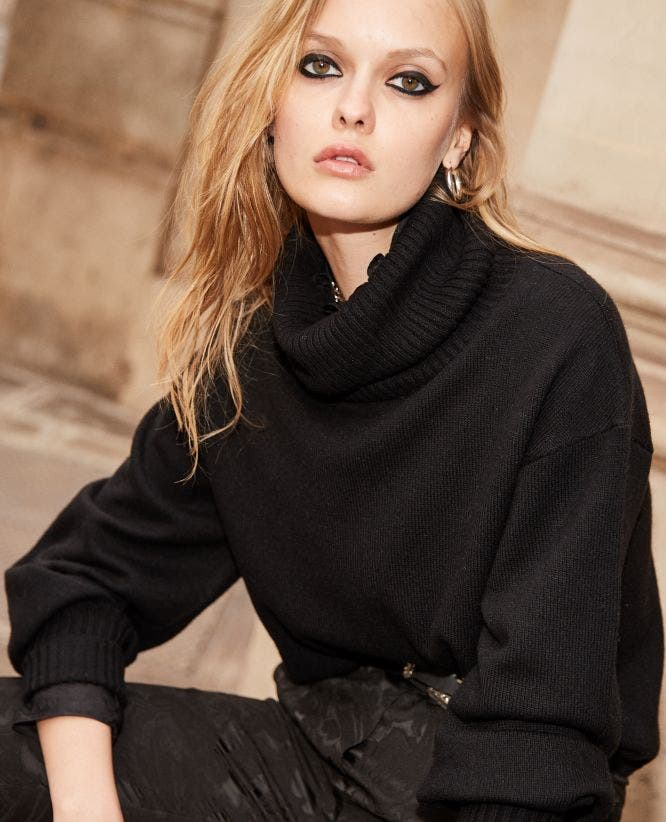 Short black turtleneck sweater with ribbing