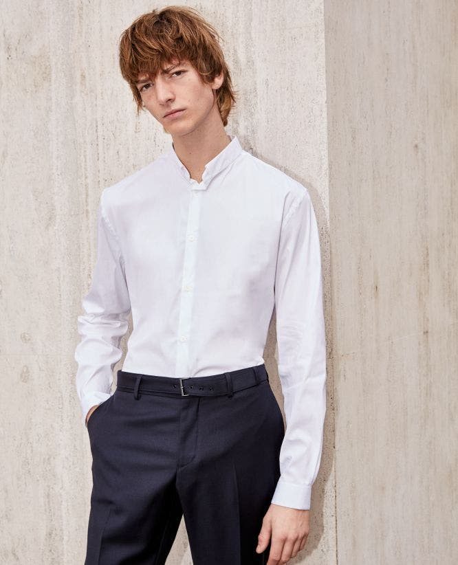 Slim-fitting white shirt with officer collar