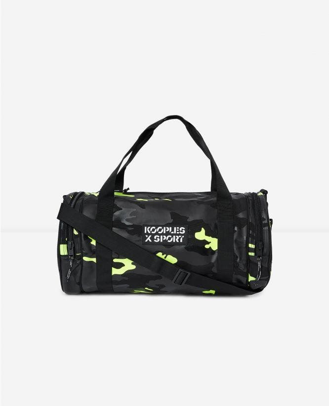 Zipped gym bag with camouflage print