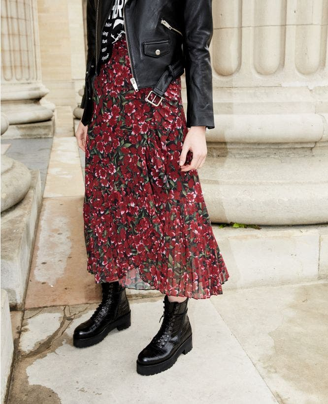 Long pleated skirt with print